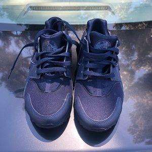 Navy Blue Nike Huaraches